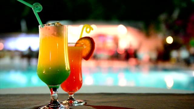 cocktail - tropischer cocktail stock-videos und b-roll-filmmaterial