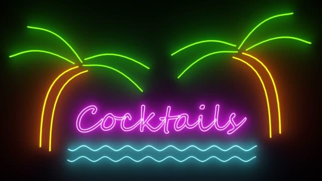 cocktail al neon firma luci logo testo incandescente cocktail multicolore - happy hour video stock e b–roll