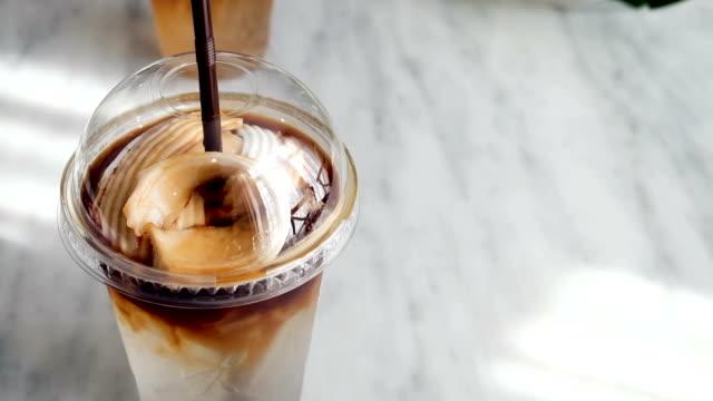 vídeos de stock e filmes b-roll de coconut coffee - café gelado