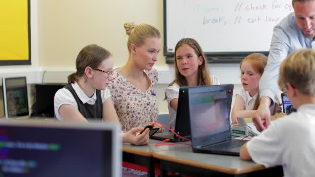 HTML Coding Lesson In School video