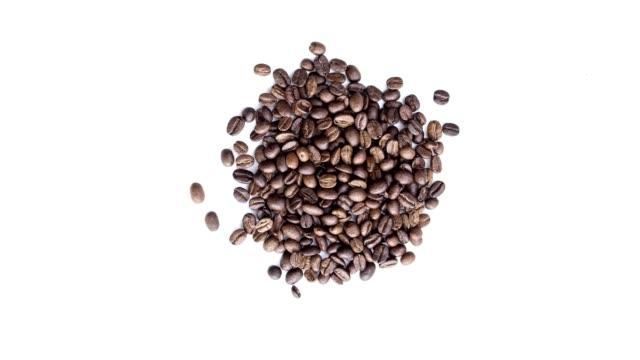 kaffee bohnen stop-motion-animation - geröstete kaffeebohne stock-videos und b-roll-filmmaterial