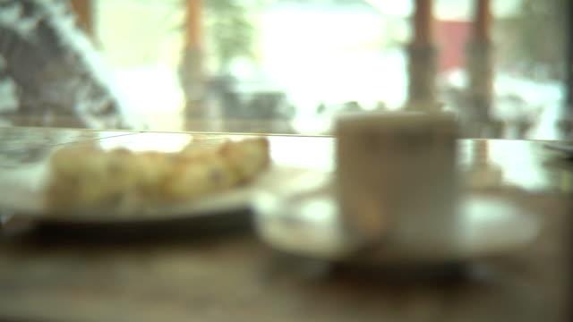 kawa i scone - scone filmów i materiałów b-roll