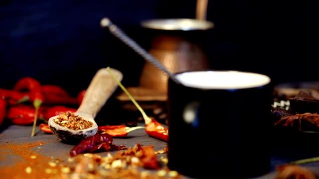 vídeos y material grabado en eventos de stock de café, choco y chile - cayena guindilla roja