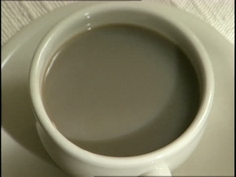 coffee cup - tefat bildbanksvideor och videomaterial från bakom kulisserna