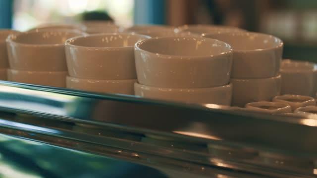 コーヒー カップのバー - カフェ文化点の映像素材/bロール