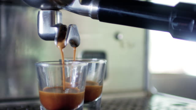 coffee espresso shot making from coffee machine - итальянская культура стоковые видео и кадры b-roll