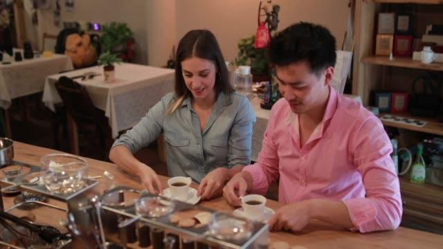 coffee is ready - espresso filmów i materiałów b-roll