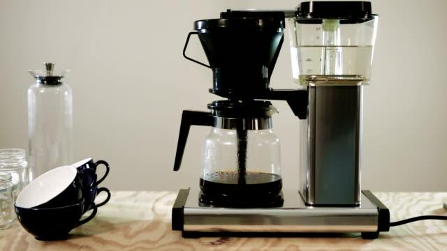 Macchina per il caffè Time lapse - video