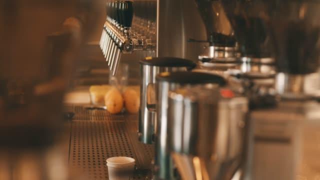 coffee machine - カフェ文化点の映像素材/bロール