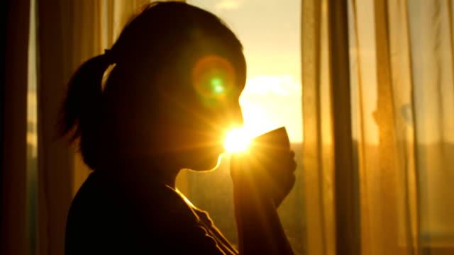 vidéos et rushes de heure du café - thé boisson chaude