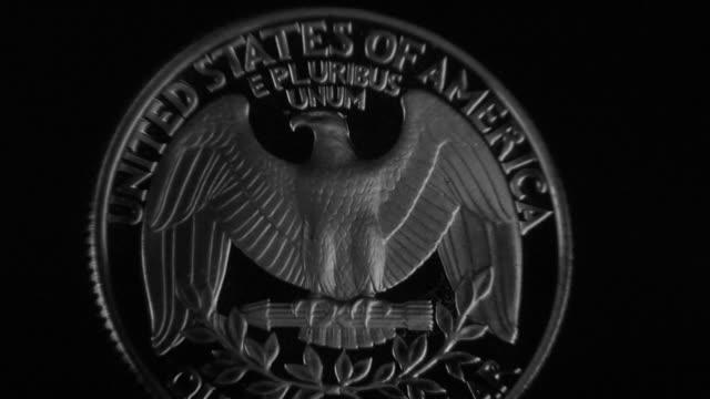 stück der rückseite des u.s. 4 - amerikanische geldmünze stock-videos und b-roll-filmmaterial