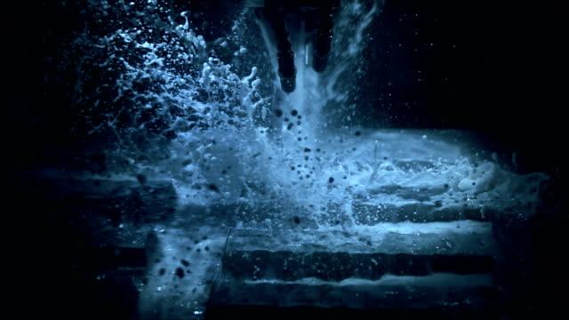 cold cutting process (super slow motion) - cnc maskin bildbanksvideor och videomaterial från bakom kulisserna