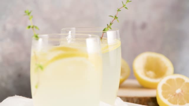 kalte limonade - henkelkrug stock-videos und b-roll-filmmaterial