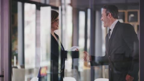vídeos y material grabado en eventos de stock de colabora con los mejores y hazte aún mejor - negocio corporativo