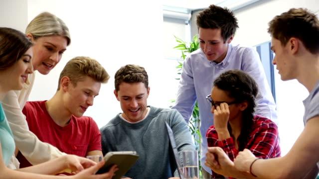 Étudiants de Discussion et tutoriels - Vidéo