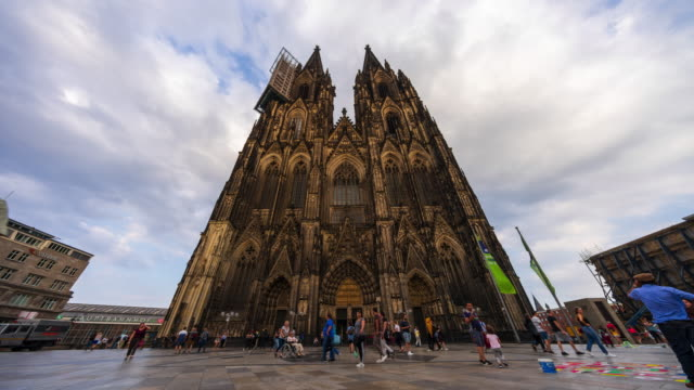 Cologne Cathedral (Domplatte) - 4k time lapse
