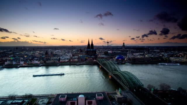 zeitraffer: köln, deutschland - köln stock-videos und b-roll-filmmaterial