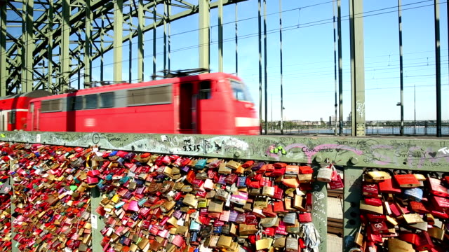 Cologne Hohenzollernbrücke video