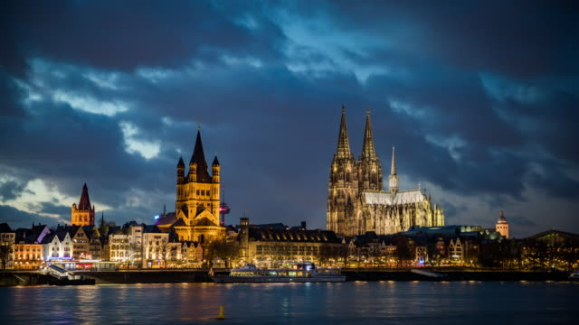 kölner skyline - tag zu nacht zeitraffer - köln stock-videos und b-roll-filmmaterial