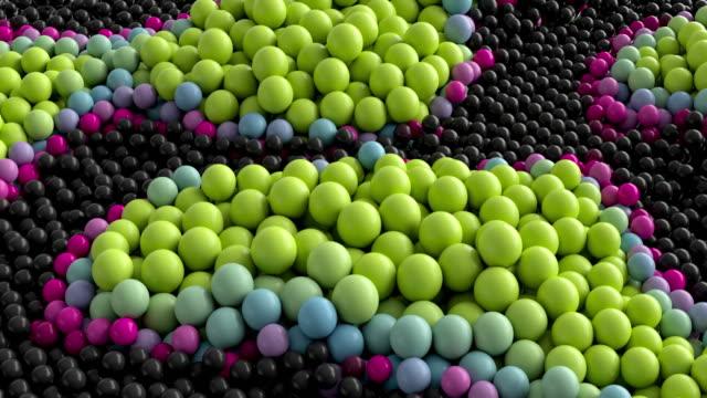 renkli balonlar hareket halinde yüzer - sanat, kültür ve eğlence stok videoları ve detay görüntü çekimi