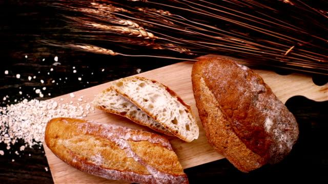 färgglada kök - brödlimpa bildbanksvideor och videomaterial från bakom kulisserna