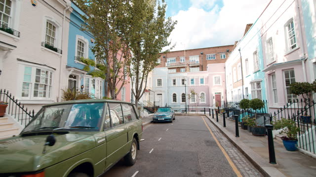 Colorful houses on Baywater Street, King's Road, Chelsea, London, the UK in 4k.