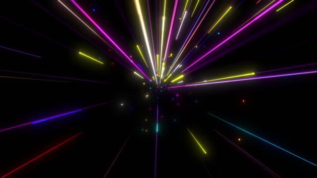 stockvideo's en b-roll-footage met kleurrijke supersonische licht strepen vliegen in en uit - lichtbundel