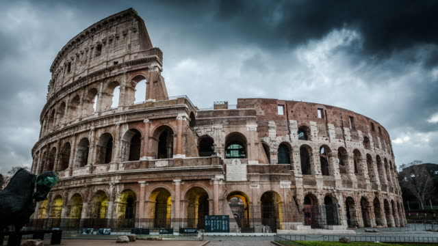 timelapse: colosseum in rome, italy - 4k cityscapes, landscapes & establishers - italian architecture stock videos & royalty-free footage