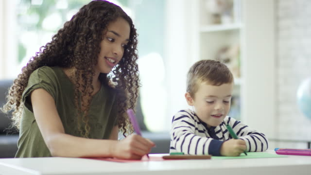 Colouring with the Babysitter video