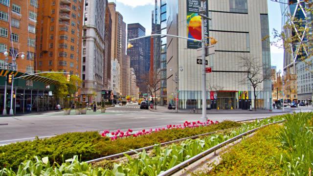 Columbus Circle mit Blick auf den Broadway. Ein friedlicher, leerer Morgen in der Stadt. – Video