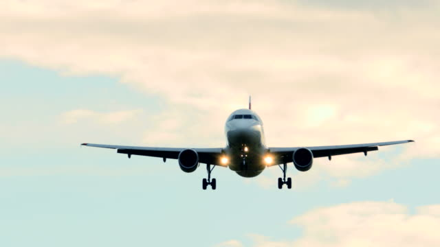 Commercial Airplane on Landing Approach. Aeroplane Flying in the Sky. video