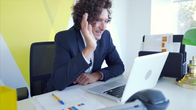 communicating has never been so easy. - virtual meeting filmów i materiałów b-roll