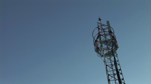 stockvideo's en b-roll-footage met communication tower in nature - minder dan 10 seconden