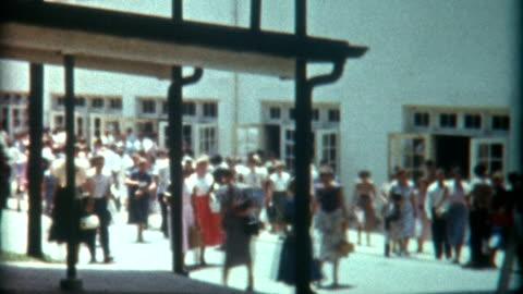 vidéos et rushes de community college des années 1940 - vintage