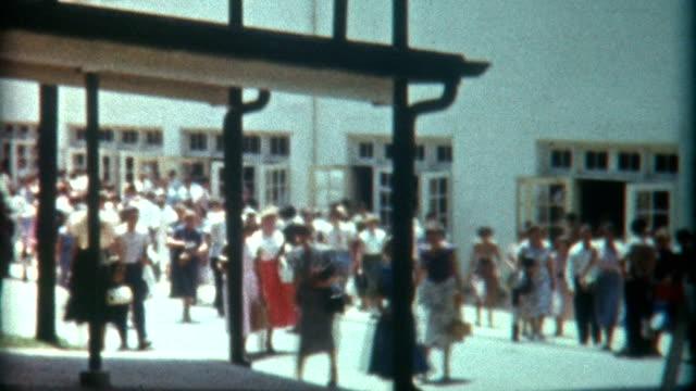 コミュニティカレッジ 1940 年代 - アーカイブ画像点の映像素材/bロール