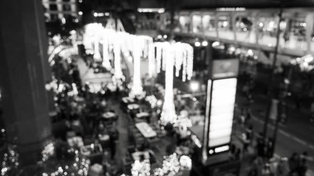 b &w; 通勤歩行者群衆バンコク中央-世界都市生活の背景 - 都市 モノクロ点の映像素材/bロール