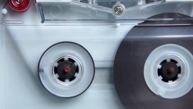 compatto cassetta - mangianastri video stock e b–roll