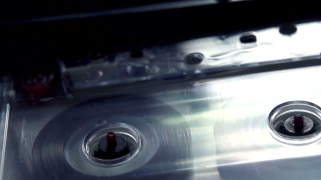 compatto cassetta - cassetta video stock e b–roll