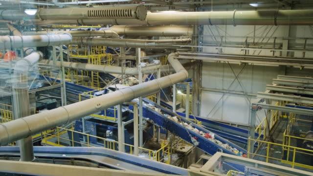 atık yönetimi i̇şleme tesisi kompleksi i̇ç - i̇malat ekipmanları stok videoları ve detay görüntü çekimi