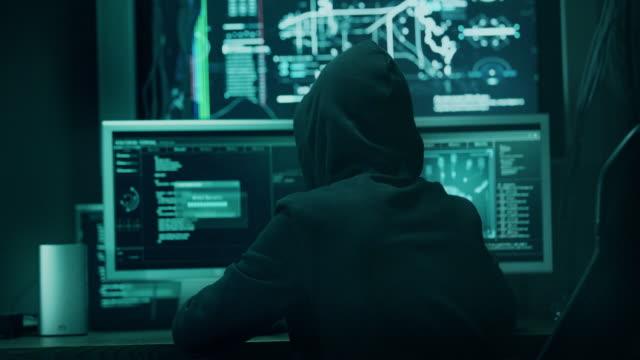 컴퓨터 hacker  - 보호 스톡 비디오 및 b-롤 화면