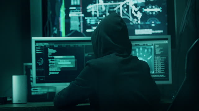 computer hacker - вор стоковые видео и кадры b-roll
