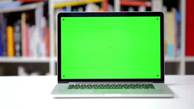 DOLLY SHOT: Computer screen chroma key tracking video