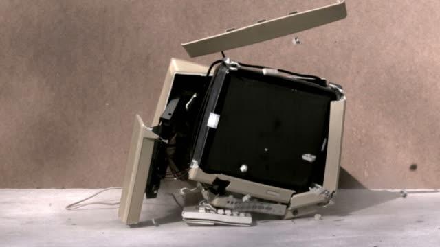 Computer smash video