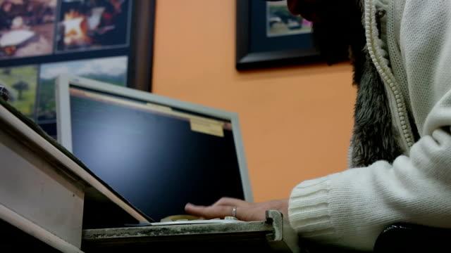 Computer software programmer video