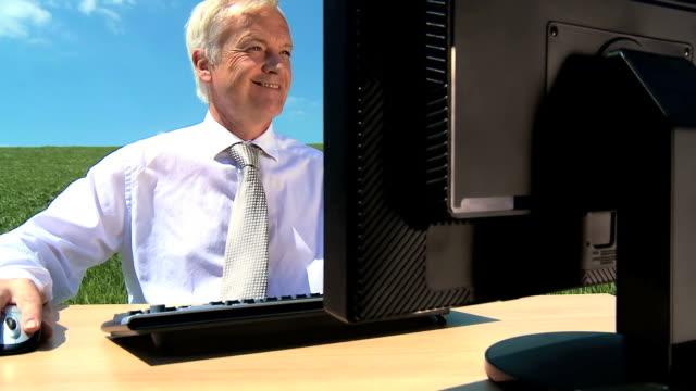 stockvideo's en b-roll-footage met concept office without walls - overhemd en stropdas