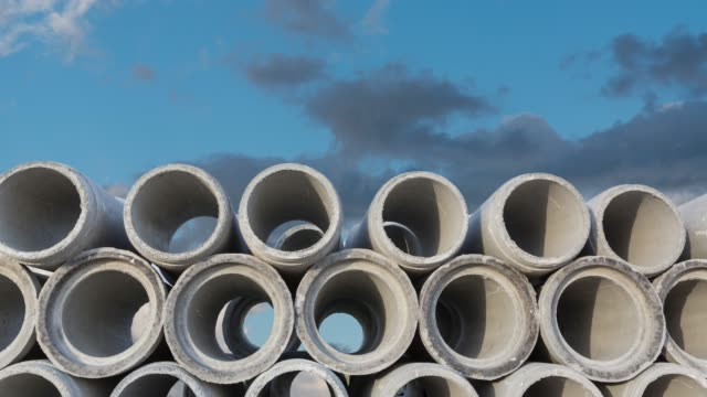 vídeos y material grabado en eventos de stock de tubo de concreto - tubería