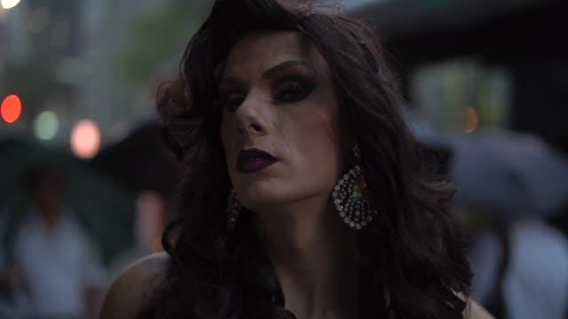 stockvideo's en b-roll-footage met vertrouwen drag queen - drag queen