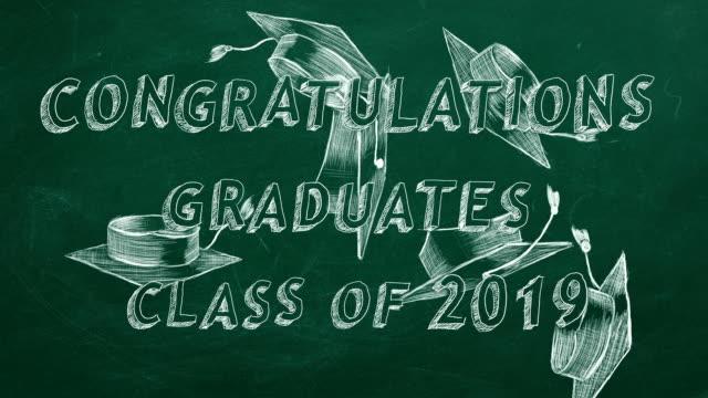 congratulations graduates. class of 2019. - tocco accademico video stock e b–roll