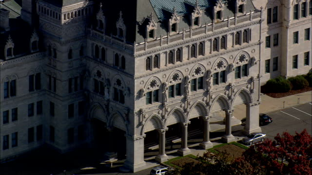 connecticut state capitol  - aerial view - connecticut,  hartford county,  united states - capitello video stock e b–roll