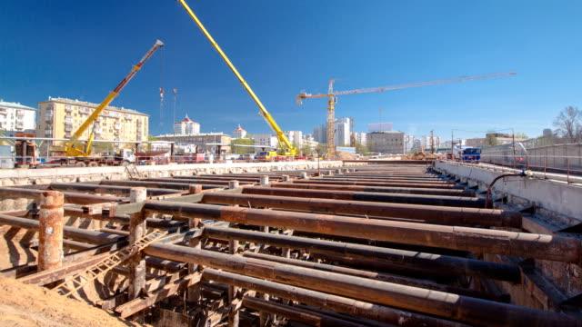 costruzione di un nuovo circolare linea di metropolitana. russia, mosca time lapse - archeologia video stock e b–roll